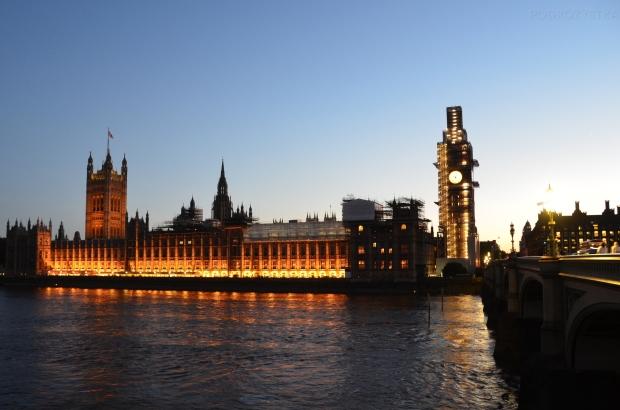 UK_III_25_Palace_of_Westminster_50_size_watermark